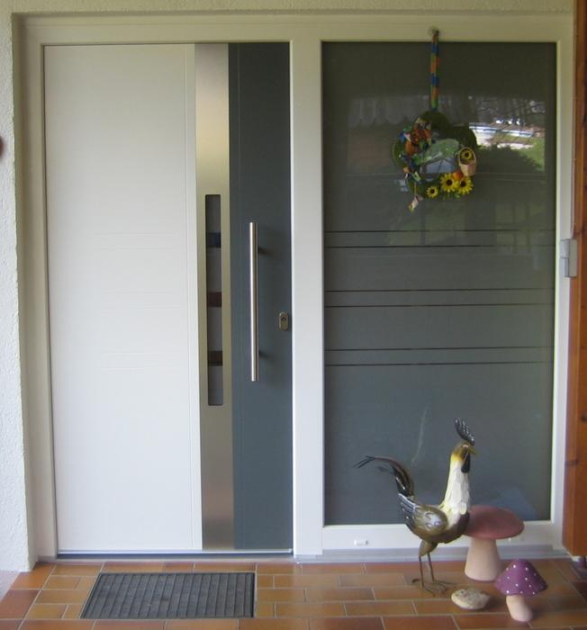 Zweifarbige Kunststoff Haustür